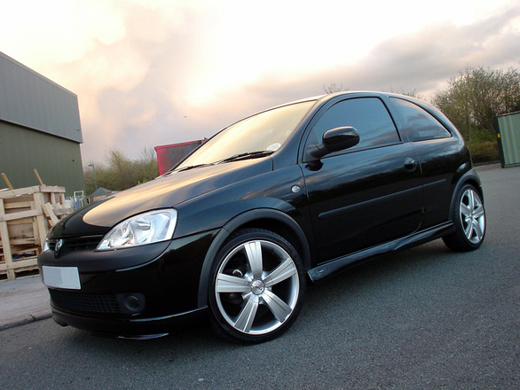 car-at-dusk-1501222