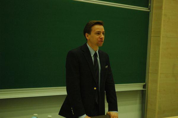 Krzysztof Bosak podczas spotkania na Uniwersytecie Rzeszowskim
