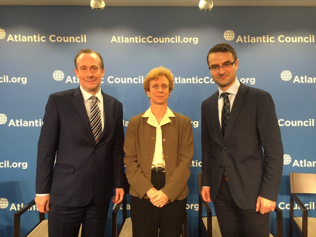 Tomasz Poreba z wiceprzewodniczącą Atlantic Council F.Burwell i lordem M. Callananem
