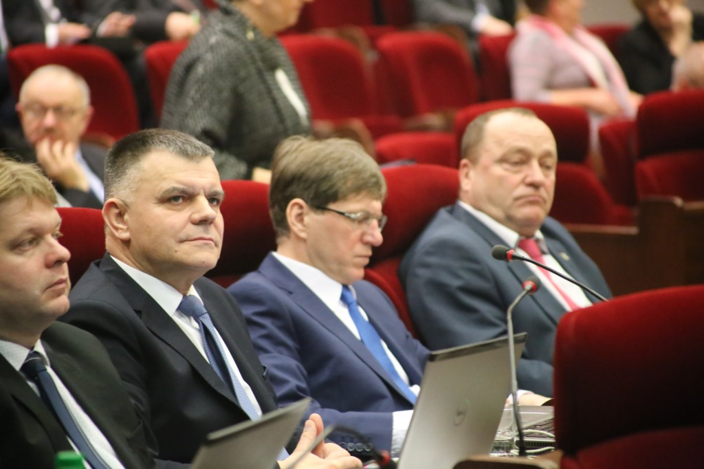Radny PSL Wiesław Lada (drugi z lewej)