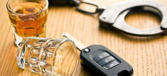 Pijana 21-latka za kierownicą BMW uszkodziła trzy samochody