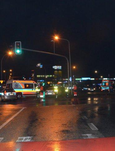 Dwa wypadki karetek jednego dnia i w tym samym miejscu. Policjanci wyjaśniają okoliczności