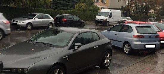 """""""Mistrzowskie"""" parkowanie przy Politechnice"""