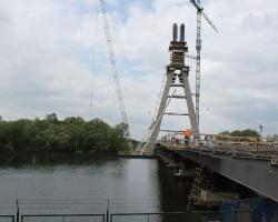 Pylon ma już 106 metrów, a urośnie jeszcze o dwa i pół. Ulice Rzecha i Załęska będą zamknięte (ZDJĘCIA)