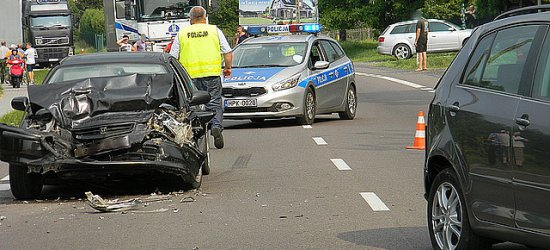 Wypadek w Widełce na drodze krajowej nr 9 (ZDJĘCIA)