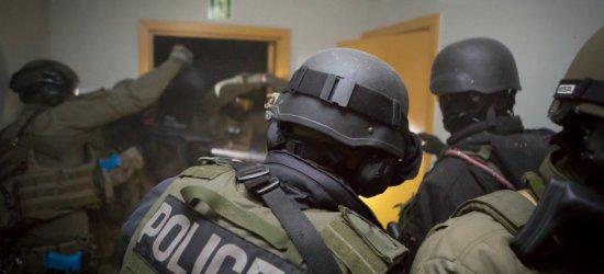 Policja najlepiej ocenianą formacją mundurową (ZDJĘCIA, WYKRESY)