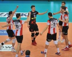 Asseco Resovia pokonuje Jastrzębski Węgiel po raz trzeci i melduje się w finale! (ZDJĘCIA)