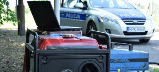 Policjanci sprawdzali samochody pod kątem emisji spalin