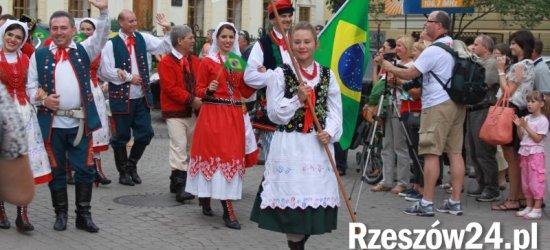Polonijna Młodzież Niepodległej Polsce