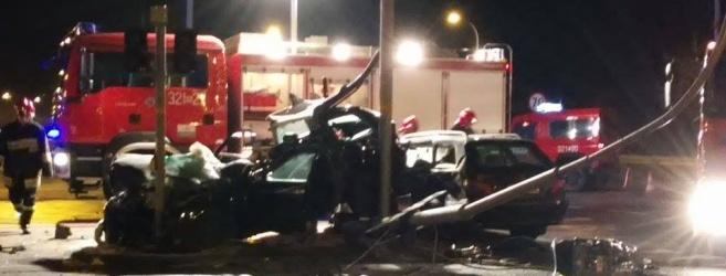 NOWE FAKTY: Wg policji to 19-latek nie ustąpił pierwszeństwa. Tragiczny wypadek na al. Armii Krajowej. 5 osób w szpitalu (FILM, ZDJĘCIA)