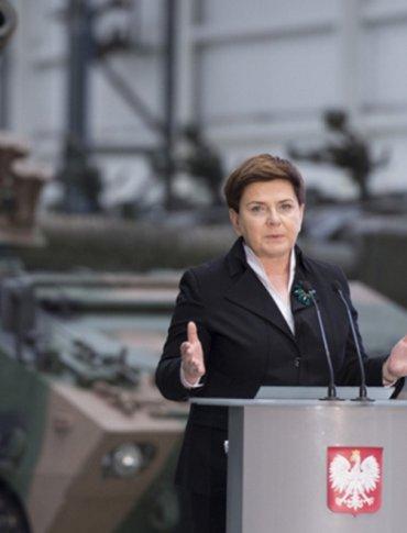 Premier Szydło w Stalowej Woli: Chcemy budować polską gospodarkę w oparciu o polski potencjał