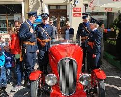 Policjanci w przedwojennych mundurach na święcie Paniagi (ZDJĘCIA)