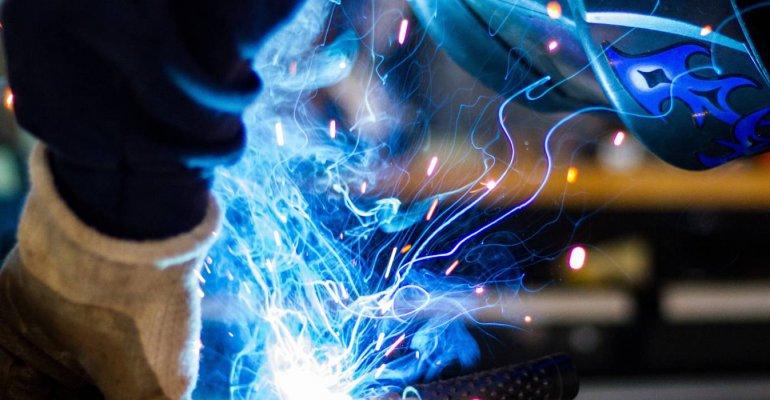 Poznaj normy i trendy jakościowe zastosowania technologii spawalniczych