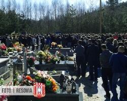 Tłumy pożegnały tragicznie zmarłego Piotra Robótkę