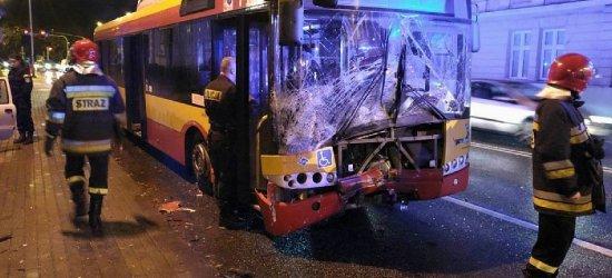 Zderzenie autobusu MPK i samochodu osobowego w Rzeszowie (ZDJĘCIA)
