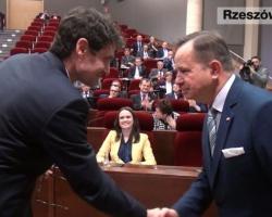 Zarząd województwa podkarpackiego z absolutorium za 2014 rok (FILM)