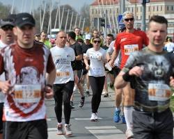 W niedziele odbył się rzeszowski półmaraton! Pobiegło około 1,2 tys. biegaczy! (ZDJĘCIA)