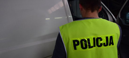 MALAWA: Podczas ucieczki potrącił policjanta i uderzył w radiowóz. Sam oddał się w ręce policji