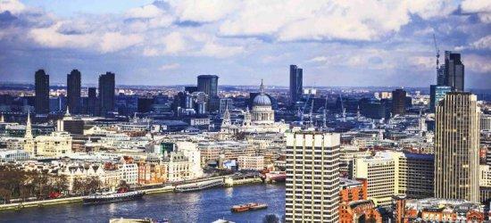 Szukasz pracy w Wielkiej Brytanii? Zgłoś się do WUP