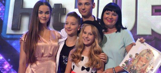 """Już dzisiaj dowiemy się kto z uczniów Anny Czenczek wystąpi w finale programu TVP 1 """"Hit Hit Hurra""""!"""