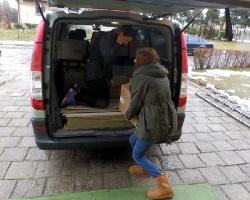 Studenci WSPiA przekazali pomoc dla osieroconych dzieci z Daliowej (ZDJĘCIA)