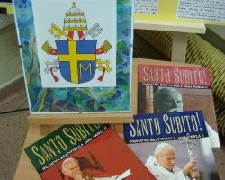 Wezwali Go z dalekiego kraju… Wystawa wspomnieniowa o papieżu Polaku