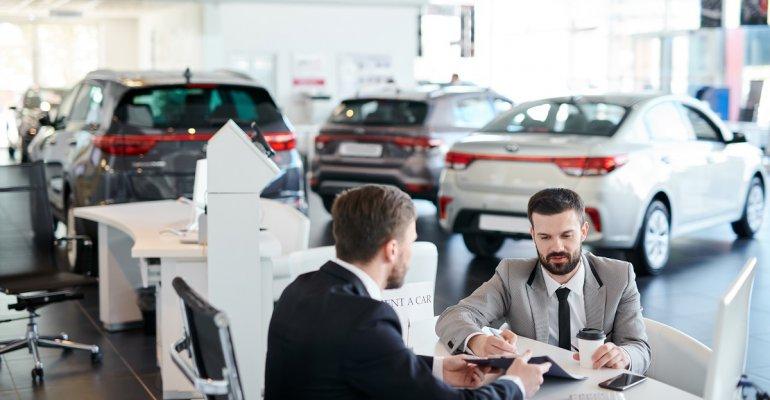 Ile kosztuje wynajęcie samochodu na lotnisku w Rzeszowie?