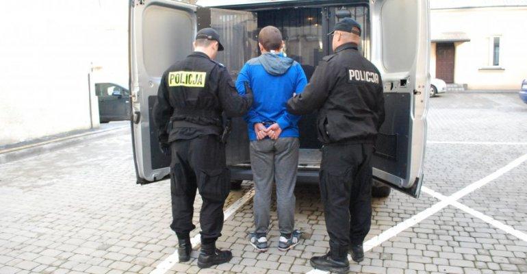 Policjanci zatrzymali podejrzanego o udział w oszustwie