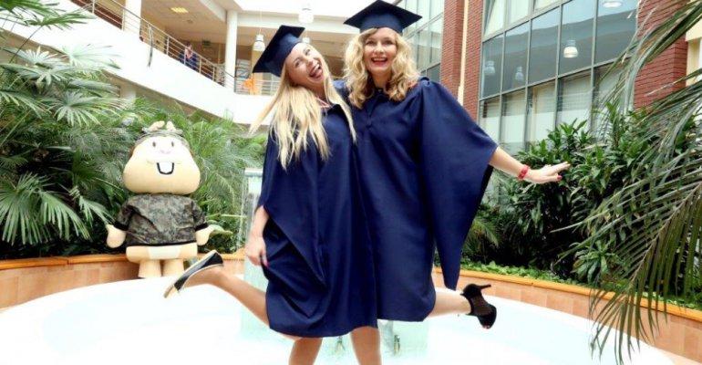 RZESZÓW: Absolwenci WSPiA odebrali dyplomy ukończenia studiów (zobacz ZDJĘCIA)