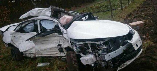 Tragiczny wypadek w Kozodrzy. Nie żyje 26-letnia kierująca toyotą (ZDJĘCIA)