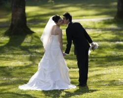 Ślub na kładce, przy fontannie multimedialnej albo na dachu? Prezydent Tadeusz Ferenc czeka na Twoją propozycję